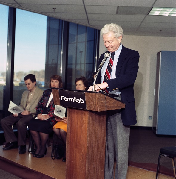Leon Lederman speaking at the Feynman Computing Center dedication, Fermilab photograph 88-1228-11